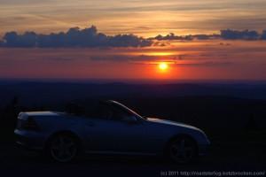 Unser SLK vor herrlichem Sonnenuntergang