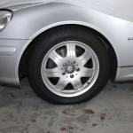 Serienmäßiges 16-Zoll-Rad auf dem SLK