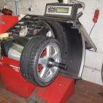 Bild vom Rad auf der Wuchtmaschine